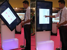 App-Promoscreen Touchscreen Besuchermagnet interaktive Kommunikationslösungen Aufmerksamkeit erlbenisreich emotion emotionalisieren Spass Fantainment Eventgame Einkaufszentrum EyeCatcher Messe Promotion Sponsoring